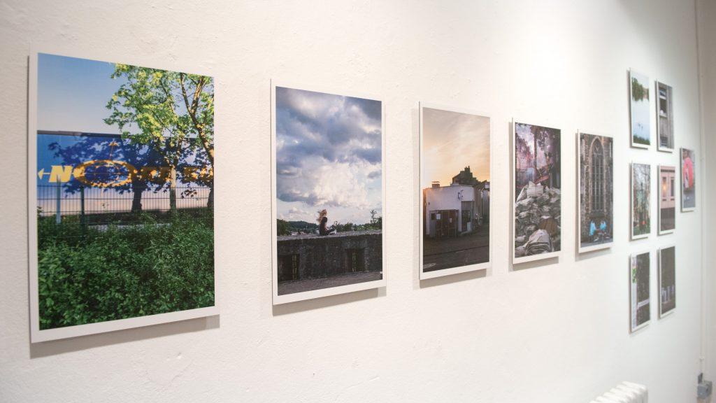 z.b.pohl ist Musiker und Performer. Im Kunstraum Rampe zeigt er erstmals seine Street-Fotografien.